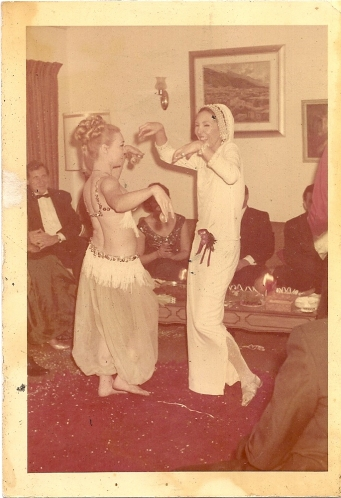 Ludmila dancing whit the belly dancer The party in my house